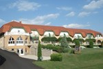 Отель Hotel Karát