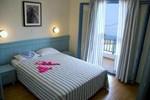 Отель Saronis Hotel