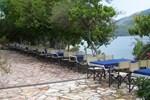 Отель Plataria Beach