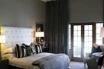 Отель Lairds Lodge