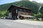 Отель Hotel Weisshorn
