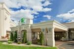 Отель Holiday Inn Hotel Enfield - Springfield