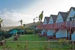 Отель Crawford's Beach Lodge & Cabins