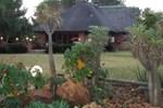 Отель Lukafrica Riverside Chalets & Safaris
