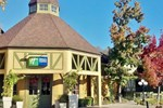 Отель Holiday Inn Express Solvang