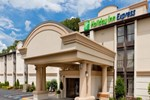 Отель Holiday Inn Express SOUTHINGTON