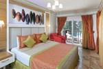 Отель Camelot Beach Hotel