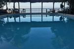 Отель Woodruffs Beach Resort