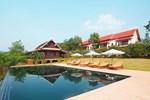 Отель Nam Ou Riverside Hotel & Resort