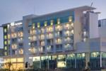 Отель Hotel Santika BSD City-Serpong