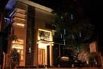 Отель Omah Qu