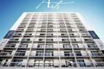 Отель Hotel Arts