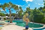 Отель Noosa Blue Resort