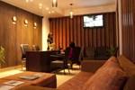 Отель HolidayMakers Inn