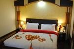 Отель Moon Walk Residency