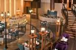 Отель Savoy Suites