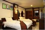 Отель Nakhaburi Hotel & Resort Udonthani