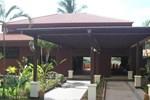 Отель Tamarind Grand Resort Mae Sariang