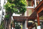 Отель Sripat Guesthouse