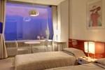 Отель Minakami Kogen Hotel 200