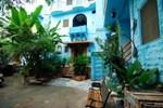 Отель Yogis Guest House