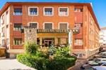 Отель Hotel Isabel de Segura
