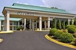 Отель Days Inn Hendersonville