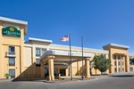 Отель Holiday Inn Express Hotel & Suites SALINA-I-70
