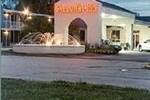 Calloway Inn & Suites