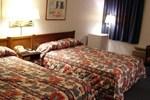 Отель Red Carpet Inn & FantaSuite Hotel