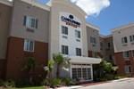Отель Candlewood Suites Alexandria