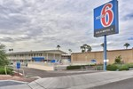 Отель Motel 6 Phoenix Sun City - Youngtown