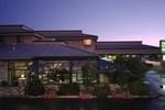 Отель Quality Inn Oakwood