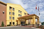 Отель Summersville Inn & Suites