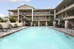 Отель Days Inn and Suites - Mobile