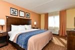 Отель Comfort Inn & Suites Tinton Falls