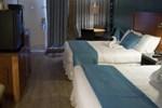 Отель Charlroy Motel