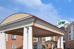 Отель Holiday Inn Express Hotel and Suites Akron South-Airport Area