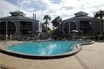 Отель Hibiscus Oceanfront Resort