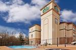 Отель La Quinta Inn & Suites Palestine