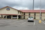 Отель Executive Inn Pine Bluff