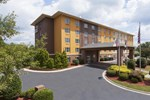 Отель Comfort Suites Pineville