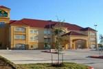 Отель La Quinta Inn & Suites Kyle