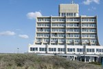 Отель Carlton Beach