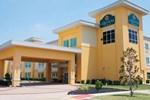 Отель La Quinta Inn & Suites Joshua