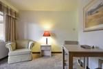 Отель Amco Hotel and Suites