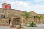 Отель Ramada Hewitt
