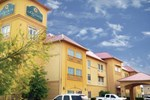 Отель La Quinta Inn and Suites Hillsboro