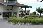 Отель Emerald Dolphin Inn & Mini Golf