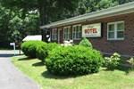 Отель Cadet Motel